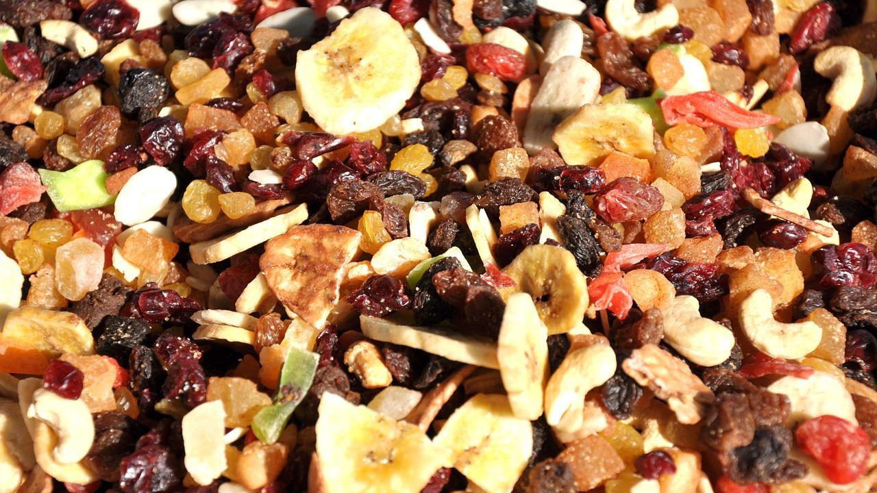 Az édes ízű gyümölcsöket és az aszalt gyümölcsöket hagyjuk ki a turmixunkból.
